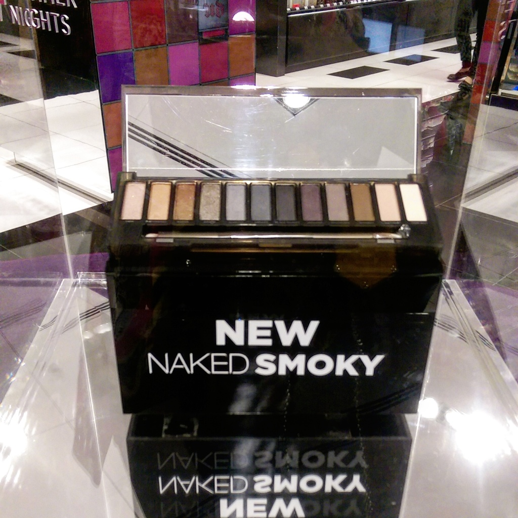 Urban Decay NAKED Smoky launch.